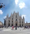Stunning day to visit Duomo di Milano.