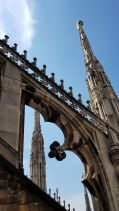 Beautiful arch on the rooftop of Duomo di Milano.