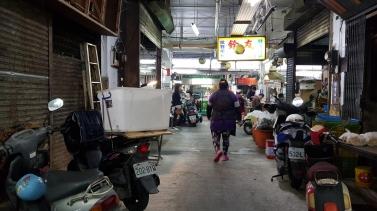 Inviting lights of food stalls.