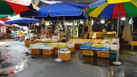 Seafood vendor in Gongdeok Market. Seoul, Korea.