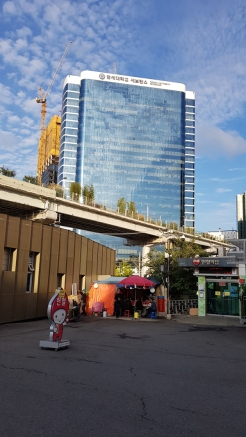 Roadside foodstall outside of Culture Station Seoul 284. Korea.