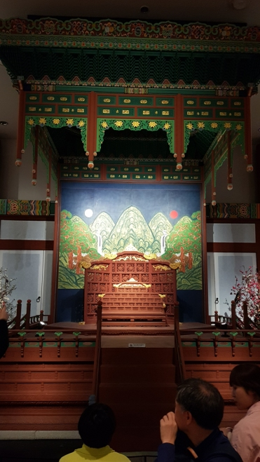 A colouful Korean throne on displayed in National Museum of Korea.
