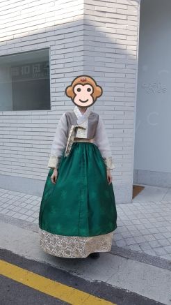 Hanbok wearing young lady in Seoul, Korea.